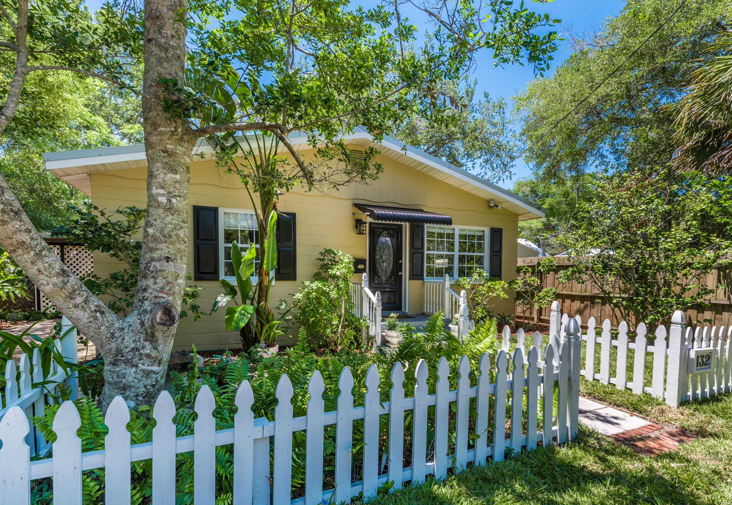 lincolnville mature singles Browse current homes under $500k for sale in lincolnville a dock for your boat, mature perennial gardens, and even a shed for your things single family homes.